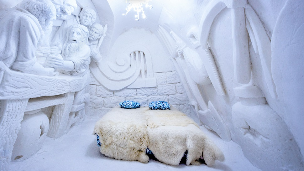 Top 10 coolest ice snow hotels in the world for Kirkenes snow hotel gamme cabins