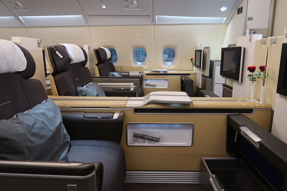 trip report lufthansa airbus a380 first class from frankfurt to bangkok. Black Bedroom Furniture Sets. Home Design Ideas