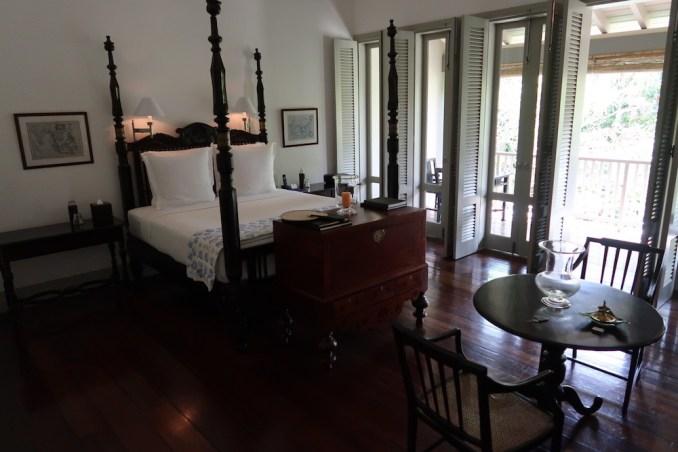 AMANGALLA CHAMBER: BEDROOM