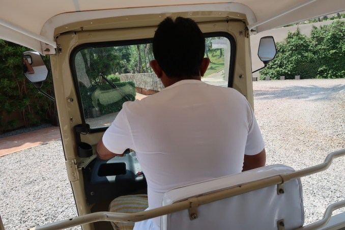 AMANWELLA: TUKTUK SERVICE TO ACCOMMODATIONS