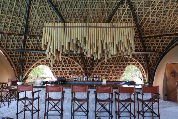 WILD COAST TENTED LODGE: BAR