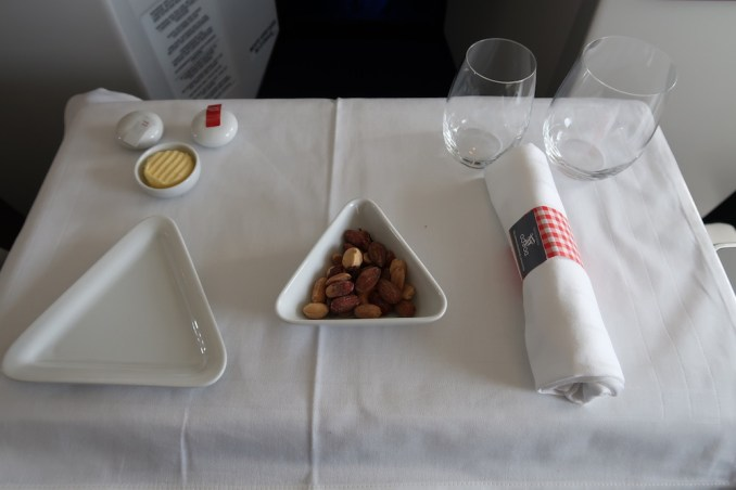 AUSTRIAN AIRLINES BUSINESS CLASS LUNCH: APERITIF