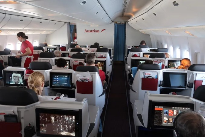 AUSTRIAN AIRLINES B777 BUSINESS CLASS CABIN