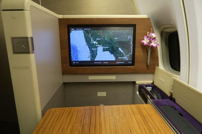 THAI AIRWAYS B747 FIRST CLASS SEAT 1K