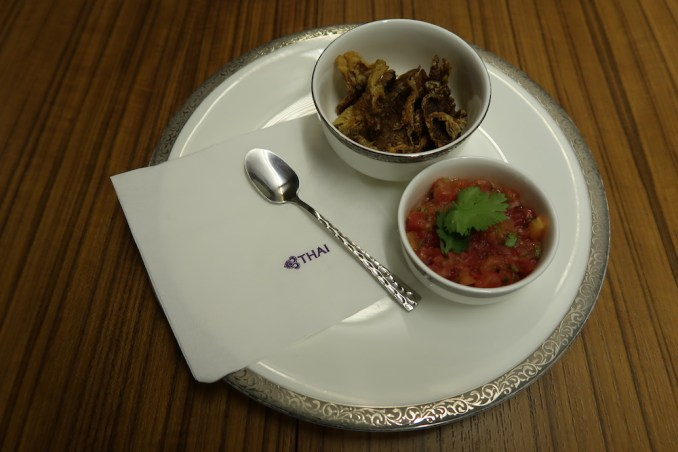 THAI AIRWAYS B747 FIRST CLASS DINNER: AMUSE BOUCHE