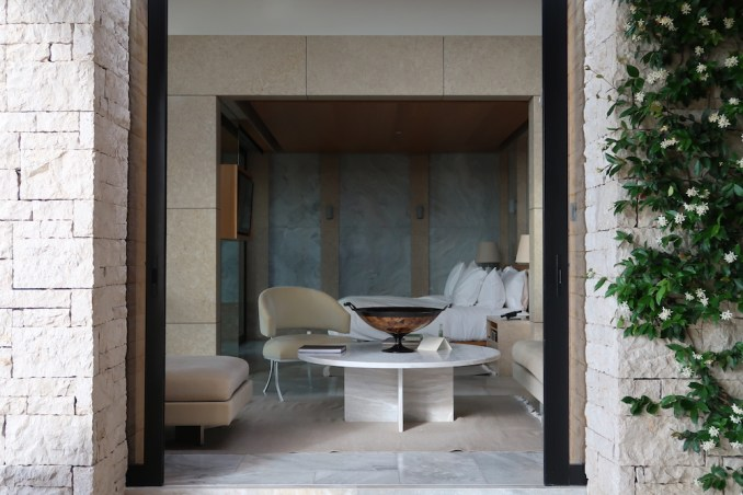AMANZOE POOL PAVILION: TERRACE & POOL