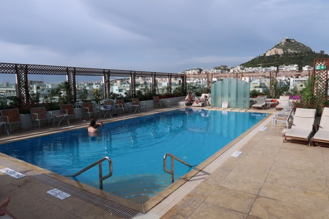 HOTEL GRANDE BRETAGNE: ROOFTOP POOL & BAR