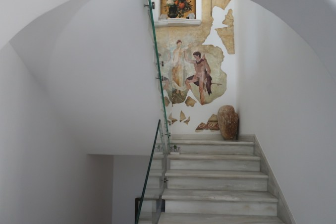 KIVOTOS MYKONOS: STAIRS TO LA MEDUSE RESTAURANT