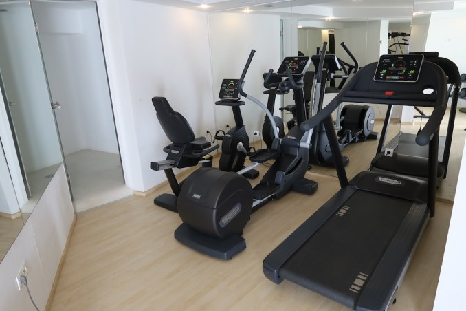 CANAVES OIA SUITES: GYM