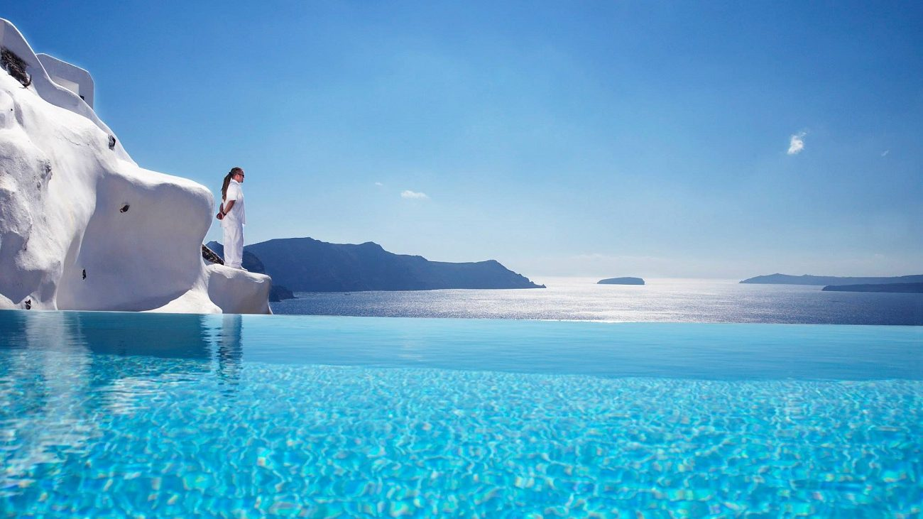 Top 10 most stunningly beautiful hotels in Santorini