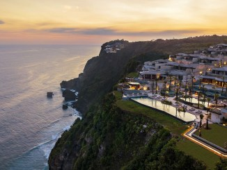 best luxury hotels and resorts in bali