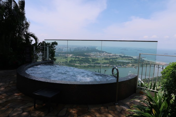 MARINA BAY SANDS: SANDS SKYPARK - FOREST
