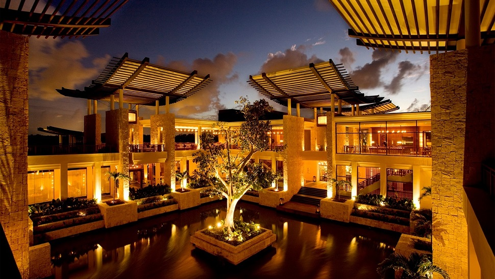 Top 10 Most Phenomenal Hotel Lobbies In The World
