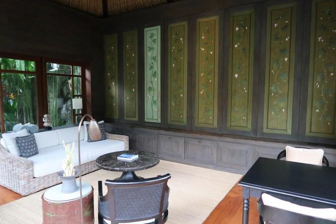 MANDAPA: ONE BEDROOM POOL VILLA - LIVING ROOM