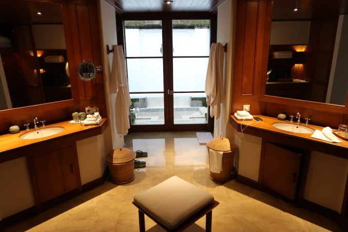 AMANDARI: VALLEY SUITE - BATHROOM