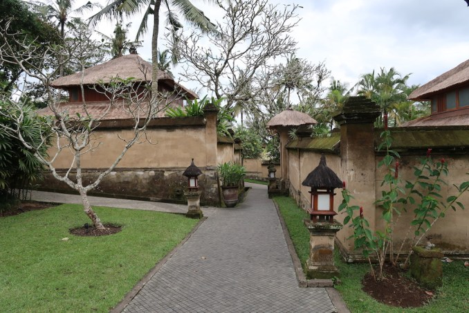 AMANDARI - RESORT GROUNDS