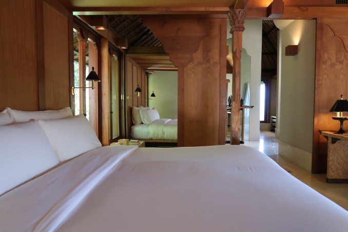 AMANKILA: POOL SUITE - BEDROOM