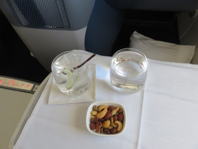 DELTA B767 BUSINESS CLASS: LUNCH