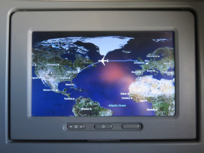 DELTA B767 BUSINESS CLASS: INFLIGHT ENTERTAINMENT