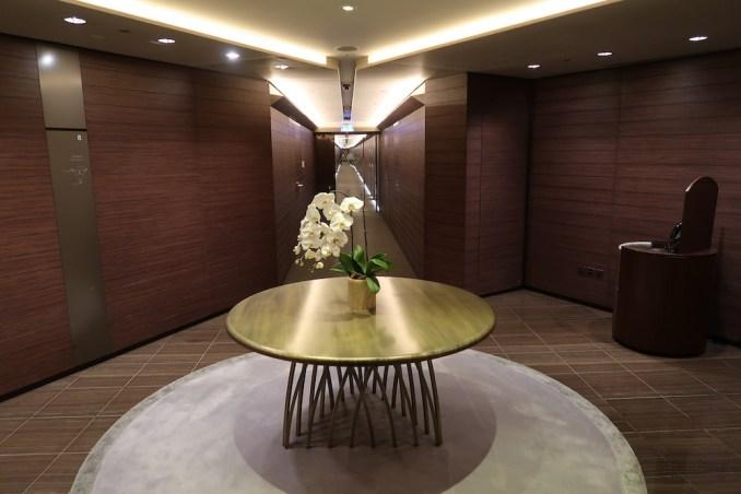 ARMANI HOTEL DUBAI: GUEST ROOM FLOOR