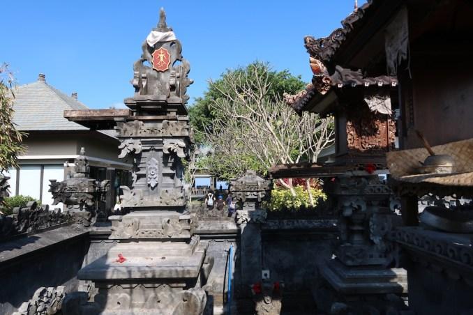 BANYAN TREE UNGASAN: HINDU TEMPLE