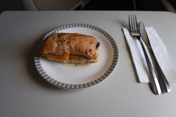 SINGAPORE AIRLINES A380: INFLIGHT SNACK