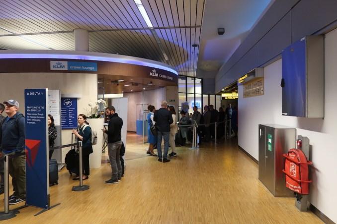 KLM CROWN LOUNGE AT SCHIPHOL