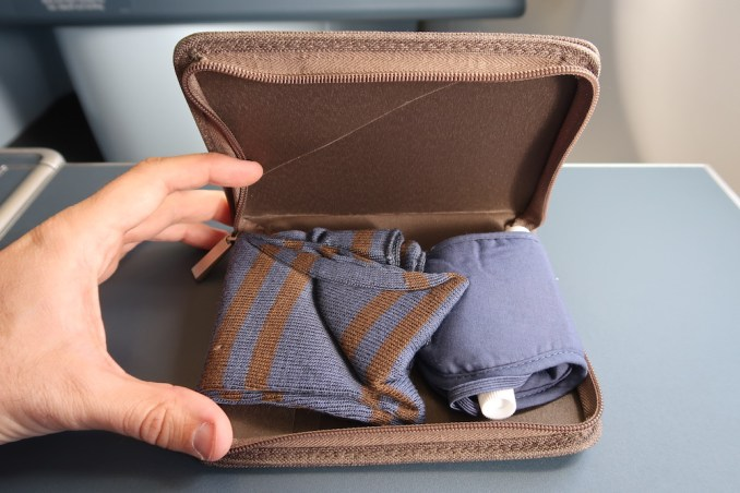 KLM A330 BUSINESS CLASS: AMENITY KIT