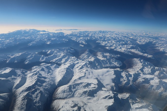 KLM A330: VIEWS OF THE ALPS