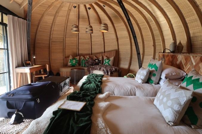 BISATE LODGE: VILLA - BEDROOM