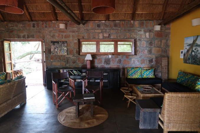 RUZIZI TENTED LODGE: LOUNGE