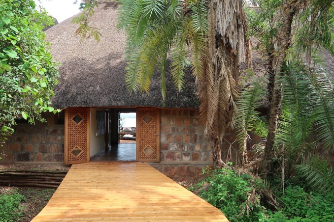RUZIZI TENTED LODGE: ENTRANCE