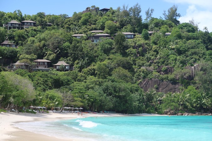 FOUR SEASONS SEYCHELLES: BEACH