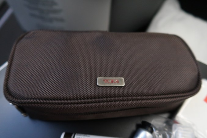 AVIANCA B787 BUSINESS CLASS: AMENITY KIT