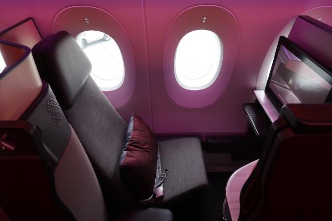 QATAR AIRWAYS A350 QSUITE (WINDOW)