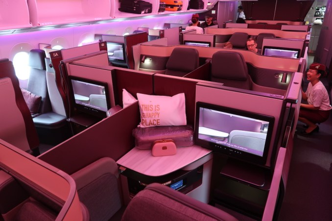 QATAR AIRWAYS A350 BUSINESS CLASS CABIN
