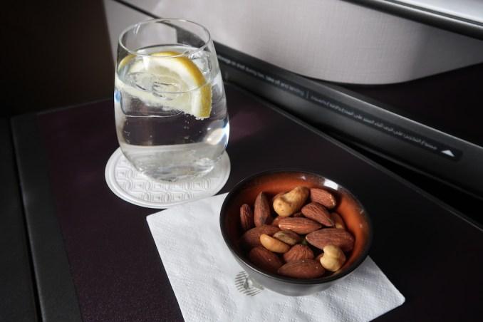 QATAR AIRWAYS A350 BUSINESS CLASS: LUNCH