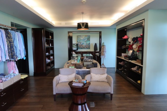 RAFFLES SEYCHELLES: BOUTIQUE SHOP