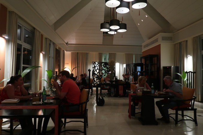 BANYAN TREE SEYCHELLES: DINNER AT SAFFRON