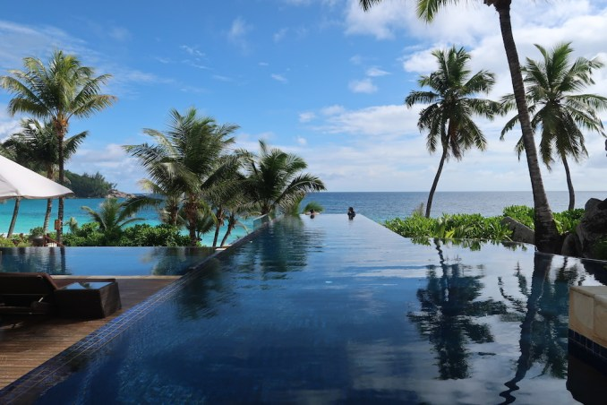 BANYAN TREE SEYCHELLES: MAIN POOL