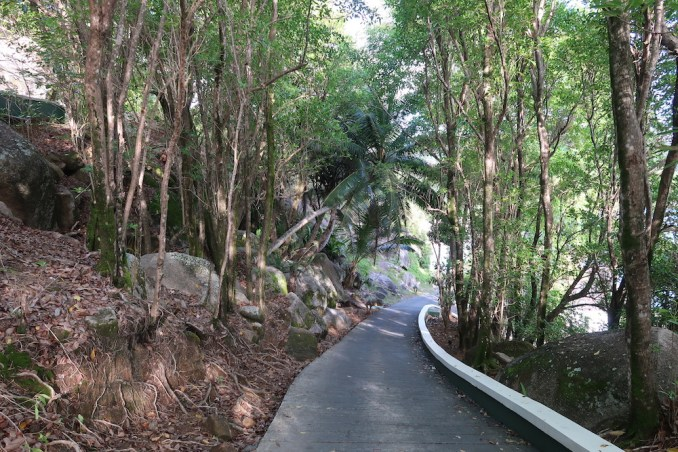 BANYAN TREE SEYCHELLES: PATHWAY TO VILLAS