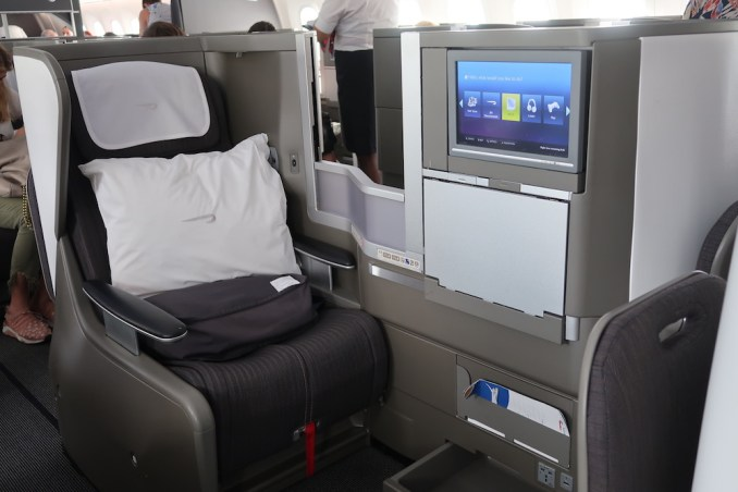 BRITISH AIRWAYS B787: BUSINESS CLASS SEAT