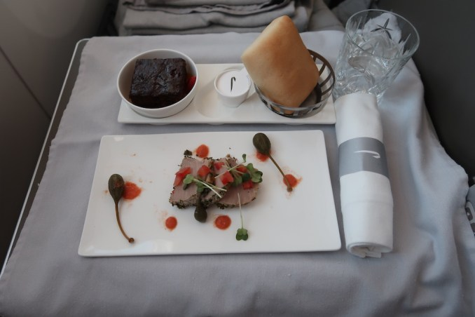 BRITISH AIRWAYS B787 BUSINESS CLASS: LIGHT DINNER
