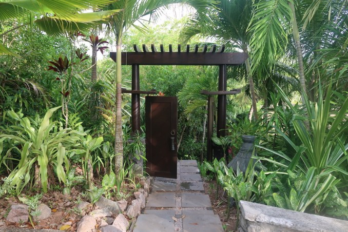 MAIA RESORT SEYCHELLES: VILLA - ENTRANCE