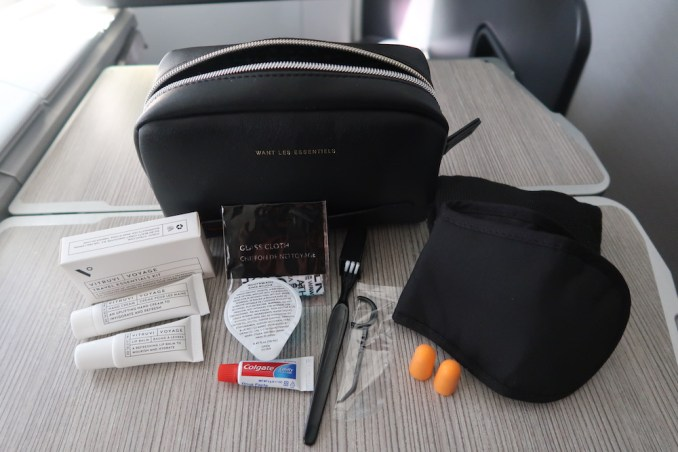 AIR CANADA B787 BUSINESS CLASS: AMENITY KIT