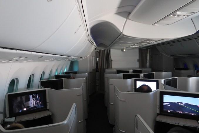 AIR CANADA B787 BUSINESS CLASS CABIN