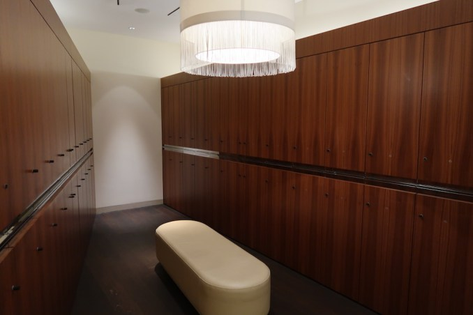 THE DOLDER GRAND: SPA - LOCKER ROOM