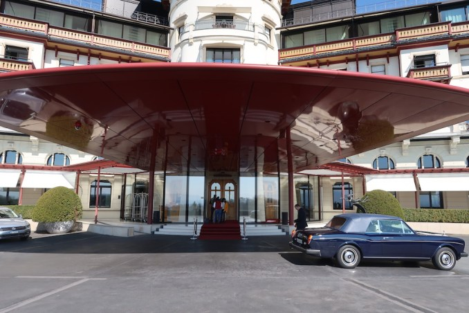THE DOLDER GRAND: HOTEL ENTRANCE