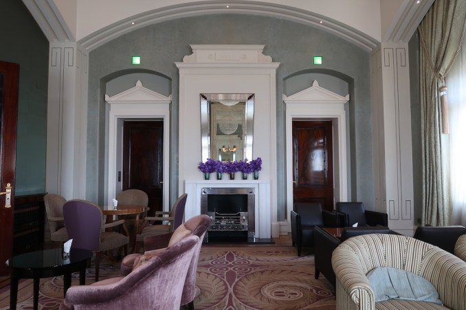 THE DOLDER GRAND: LIBRARY