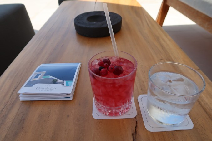 CANAVES OIA EPITOME: WELCOME DRINK